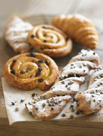 twists: Raisin whirls, croissants and chocolate-chip puff pastry twists LANG_EVOIMAGES