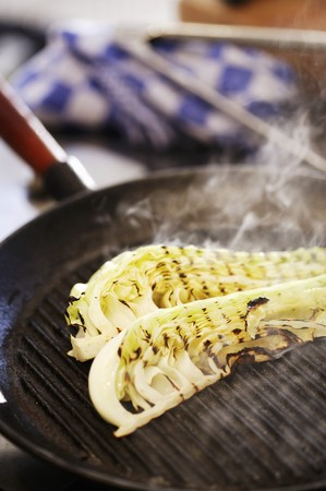 sautee: Fennel in a grill pan