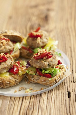 marinated gherkins: Burgers topped with marinated peppers and gherkins