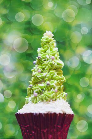 solo  christmas: A Christmas tree cupcake LANG_EVOIMAGES