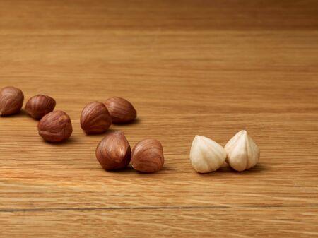 arredamento classico: Nocciole con e senza pelle