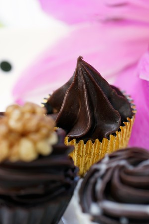 being the case: Chocolate treats with flower decoration