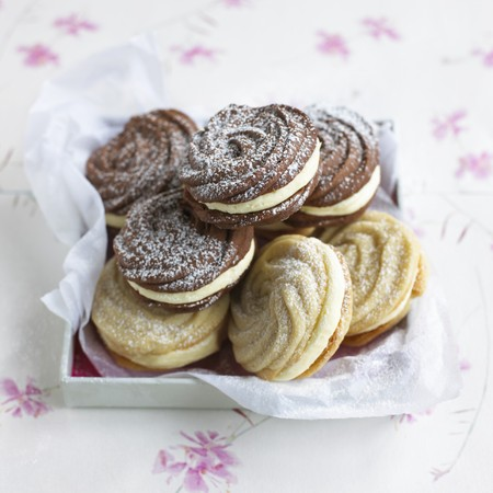 viennese: Viennese whirls dusted with icing sugar