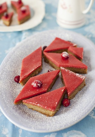 shortbread: Cranberry Curd Bars with Walnut Shortbread Crust LANG_EVOIMAGES