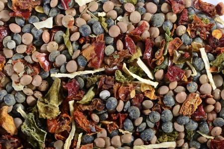 dried vegetables: Una mezcla de lentejas, legumbres secas y hierbas LANG_EVOIMAGES