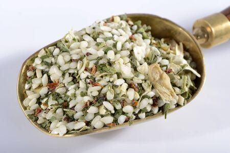 dried vegetables: Una mezcla risotto ya hecha con ajo silvestre y legumbres secas