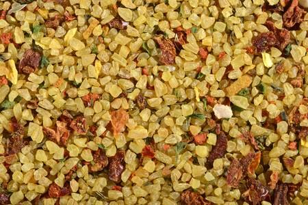 dried vegetables: Una mezcla ya hecha de bulgur con verduras y especias secas
