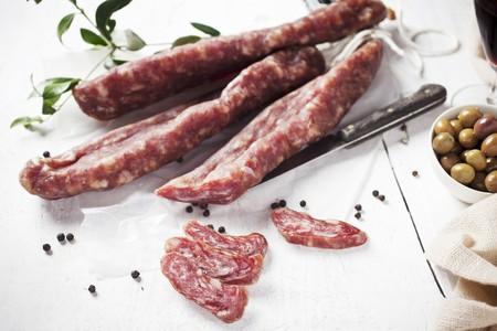llonganissa: Llonganissa (Spanish smoked sausage), olives and peppercorns