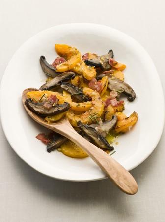 pancetta cubetti: Butternut Squash e funghi