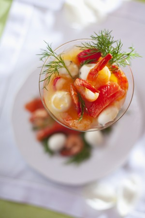 foeniculum: Prawn cocktail with fennel tops LANG_EVOIMAGES
