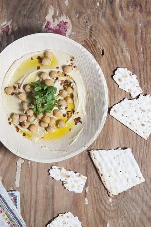 garbanzos: Hummus con los garbanzos y pan plano