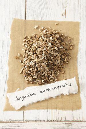 angelica sinensis: Garden angelica (Angelica archangelica), dried