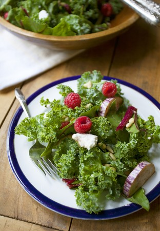 pine kernels: Lollo biondo lettuce with aubergines, raspberries and pine nuts