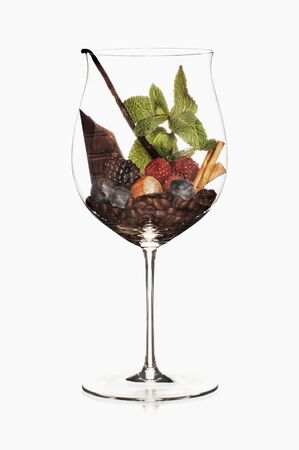 aromas: A symbolic image representing red wine aromas LANG_EVOIMAGES