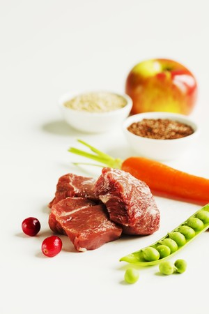 vaccinium macrocarpon: Cubed Venison with Assorted Ingredients LANG_EVOIMAGES
