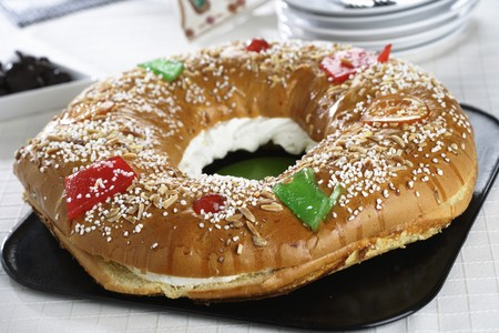 Spanish King cake filled with cream