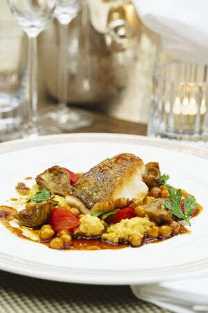 chickpeas: Fish fillet with artichokes and chickpeas