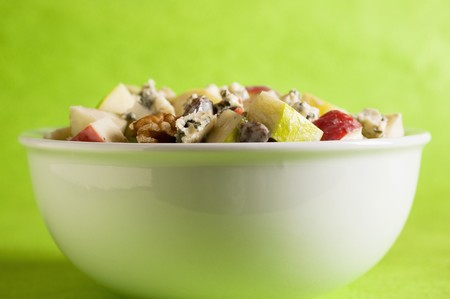 well made: Apple & blue cheese salad with walnuts, celery and raisins LANG_EVOIMAGES