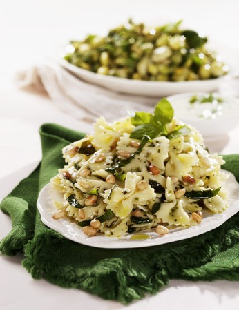 pine kernels: Pasta salad with pine nuts and basil