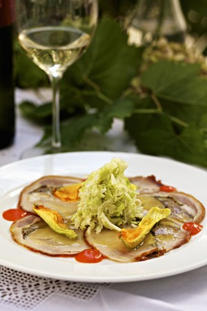 chili's restaurant: Carpaccio of suckling pig with spicy sweet and sour cabbage