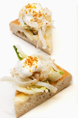 grey mullet: Pizza with squid, chicory, yoghurt foam and grey mullet roe
