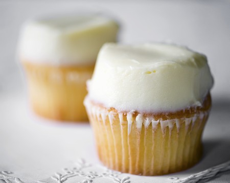 buttercream: Cupcakes with white buttercream