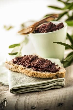 crema: Crostino con crema di olive (toast with olive spread, Italy)