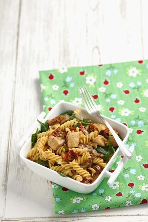 fussili: Pasta spirals with chicken and sundried tomatoes
