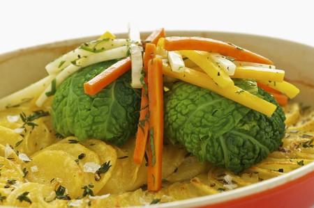 root vegetables: Gratin di patate con pacchi verza e ortaggi a radice