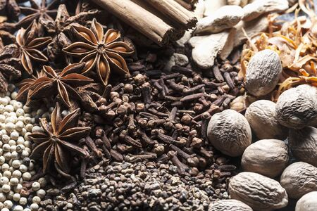 aniseed: Various spices (close-up)