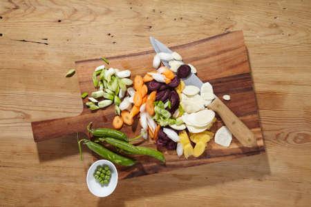 unripened: Ingredients for unripened spelt grain soup on a chopping board LANG_EVOIMAGES