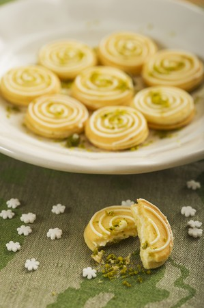 zest: Lemon sables with lime zest LANG_EVOIMAGES
