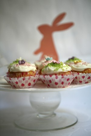 doiley: Spring cupcakes for Easter LANG_EVOIMAGES