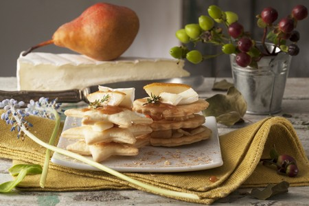mille: Spicy mille feuilles with pear and cheese