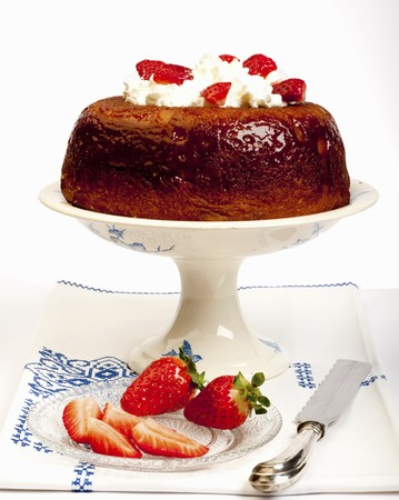 rhum: Babà with strawberries and cream
