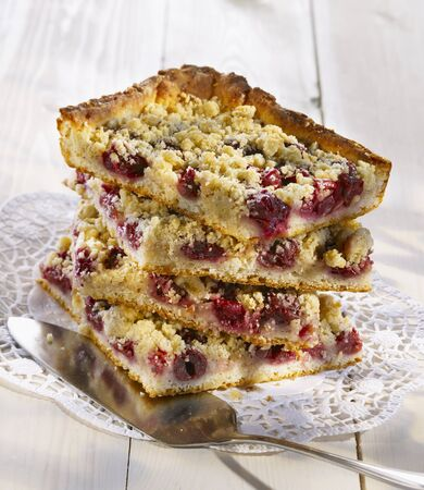 doiley: Cherry crumble cake