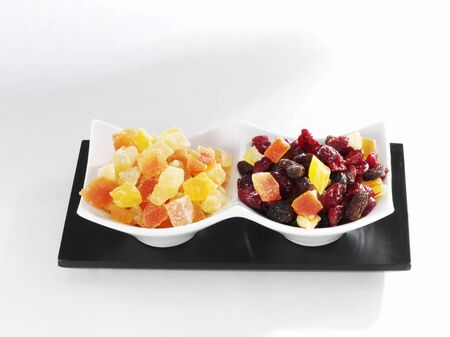 vaccinium macrocarpon: Candied fruit in bowls LANG_EVOIMAGES