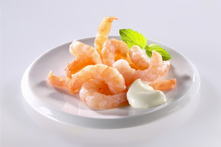 jumbo shrimp: Jumbo shrimp with dip LANG_EVOIMAGES