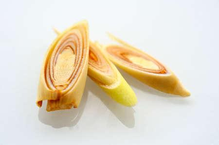 lemongrass: Three slices of lemongrass LANG_EVOIMAGES
