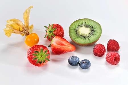 kiwis: Physalis, kiwis and berries