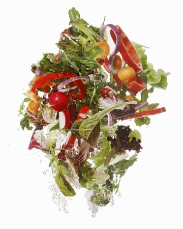 umyty: Salad ingredients being washed