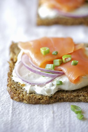 spring onions: Smoked salmon, cream cheese and spring onions on wholemeal bread