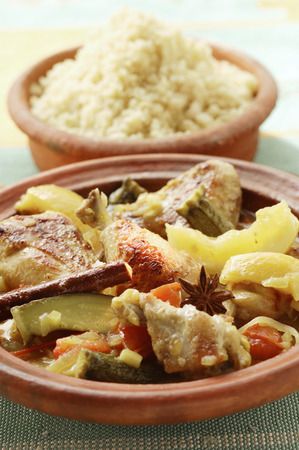 couscous: Chicken ragout with courgettes and lemons; couscous (Morocco)
