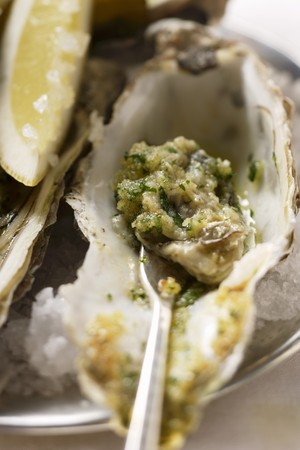 appetiser: Baked oysters with herb breadcrumbs LANG_EVOIMAGES