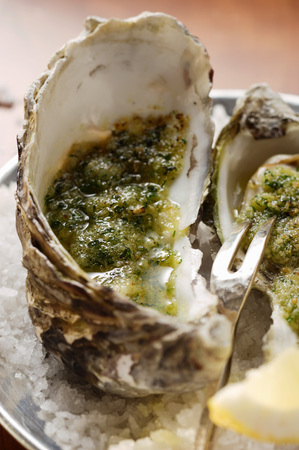 breadcrumbs: Baked oysters with herb breadcrumbs LANG_EVOIMAGES