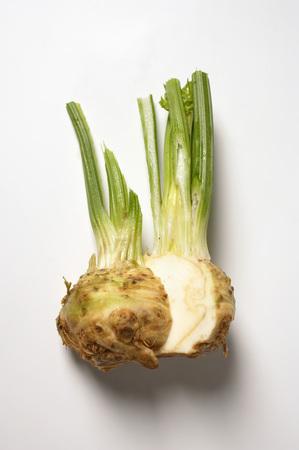 halved: Celeriac, halved LANG_EVOIMAGES