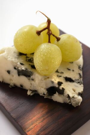 roquefort: Roquefort with green grapes