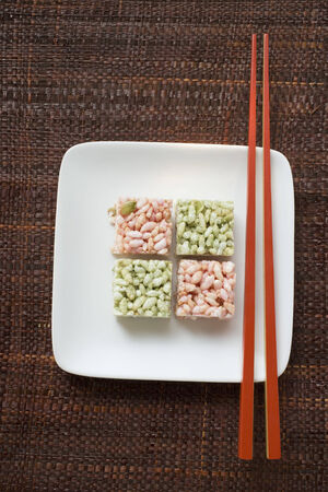 puffed: Puffed rice sweets from Asia