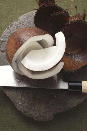 aliments: Noix de coco, coup� en morceaux