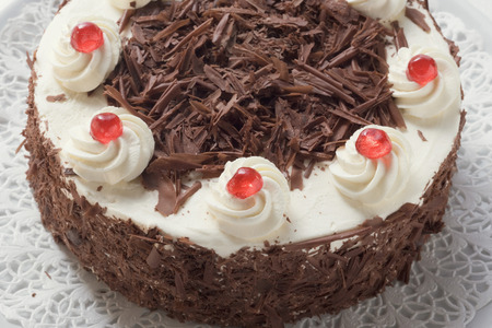 doiley: Black Forest gateau (close-up) LANG_EVOIMAGES
